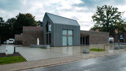 Nieuwe kerk van Lutselus geopend nadat vorige instortte