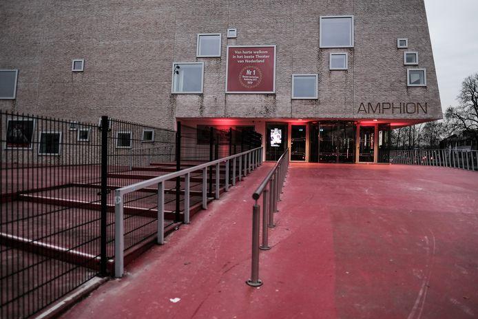 De hekken rond Amphion. Archieffoto: Jan van den Brink