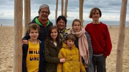 """Populaire huisarts overlijdt twee dagen nadat hij jongste kleinzoon verwelkomt: """"Het is goed geweest, vond hij"""""""