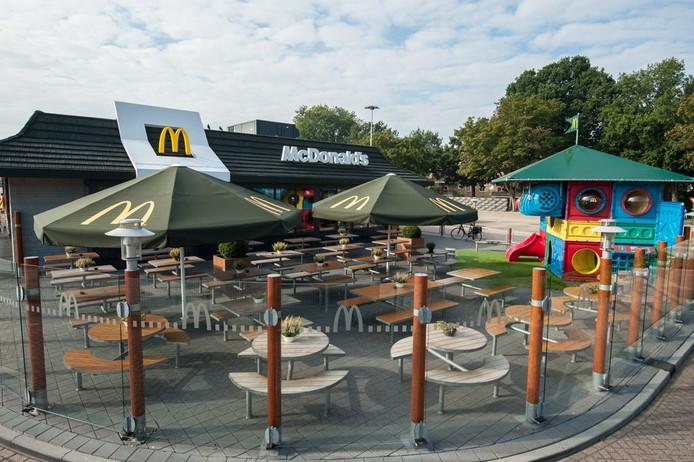 De McDonalds-vestiging aan de Ceintuurbaan in Zwolle werd een paar jaar geleden ook al verbouwd.