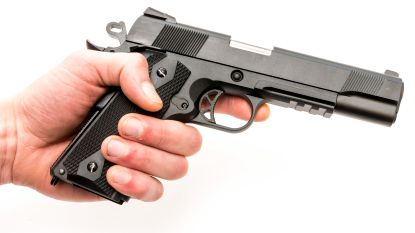 Nederlandse regering wil afkomst weten bij aanvraag wapenvergunning