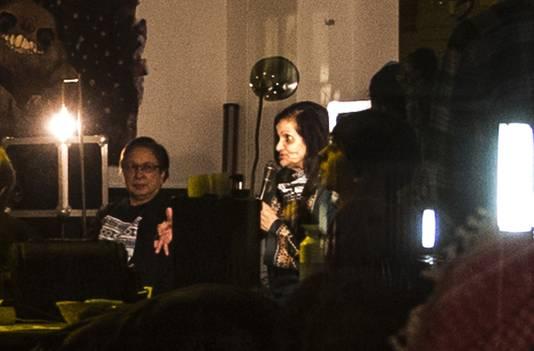 De omstreden Palestijnse Rasmea Odeh spreekt in het zaaltje De Verrekijker op de campus van de Vrije Universiteit in Amsterdam.