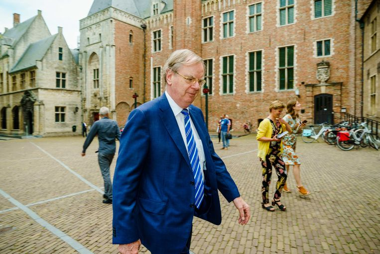 Speciaal gezant Bernard Wientjes komt vrijdag aan bij het provinciehuis in Middelburg.  Beeld ANP