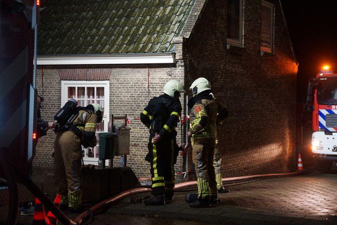 Schoorsteenbrand zorgt voor veel schade in Waspik.