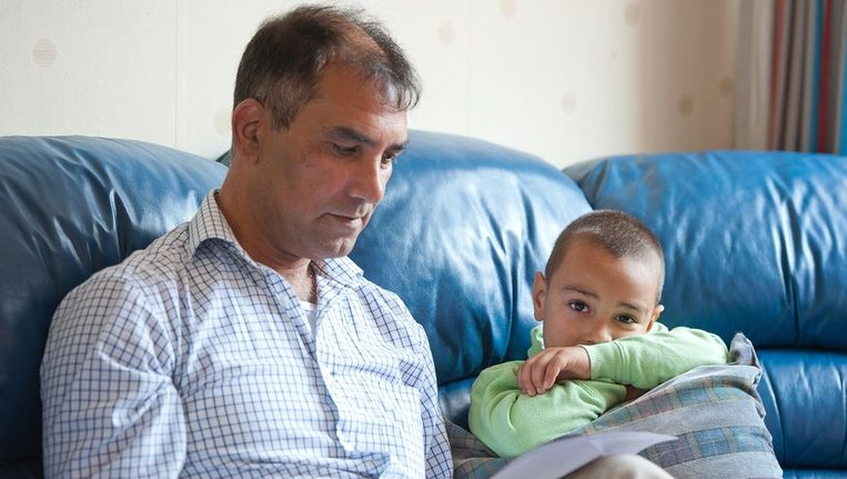 Mohsen Akbari moet met zijn gezin terug naar Afghanistan. Mohsen wordt verdacht van oorlogsmisdaden. Beeld anp