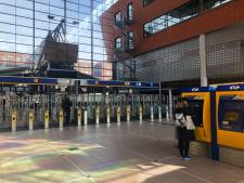Jongen (19) beroofd van telefoon, verdachte (17) breekt been na achtervolging door station Amersfoort