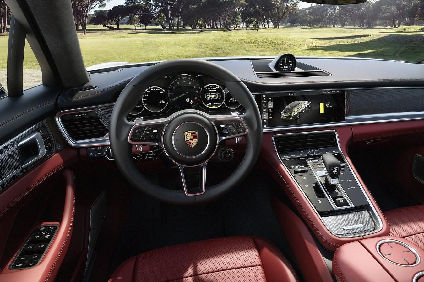 Het interieur van de Porsche Panamera Sport Turismo, beeld ter illustratie.