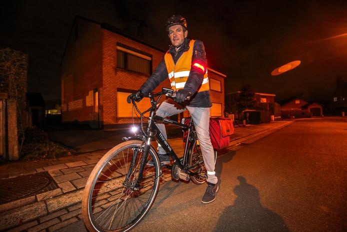 Oostkamp: Koen Hallaert vraagt meer fluo kledij te dragen in de donkere dagen