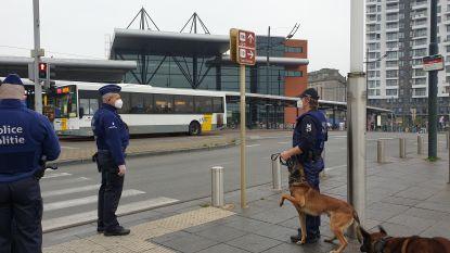 """Vijf gespecialiseerde ploegen politiezone Brussel-West controleren dagelijks reizigers op dragen van mondmaskers: """"Overgrote meerderheid draagt effectief masker of sjaal"""""""