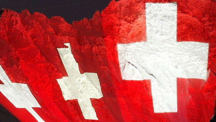 Lichtinstallatie met de Zwitserse vlag van kunstenaar Gerry Hofstetter.