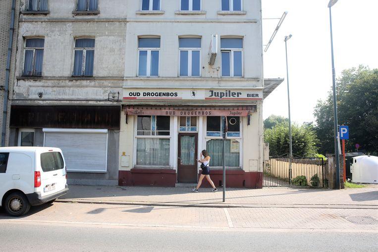 Café Oud Drogenbos bevindt zich langs de Grote Baan in Drogenbos.
