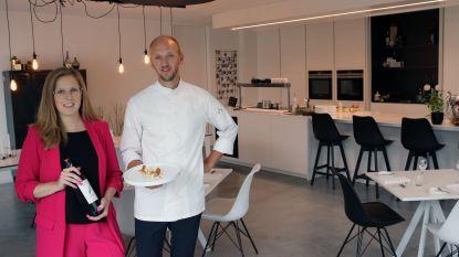 """Kok Jan Van Rompaey opent samen met partner huiskamerrestaurant: """"Ganse living omgetoverd om tafels te plaatsen"""""""