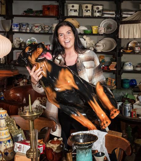 Esmée (23) leeft van het verzamelen en verkopen van vintage-artikelen: 'Iedereen verklaarde me voor gek'