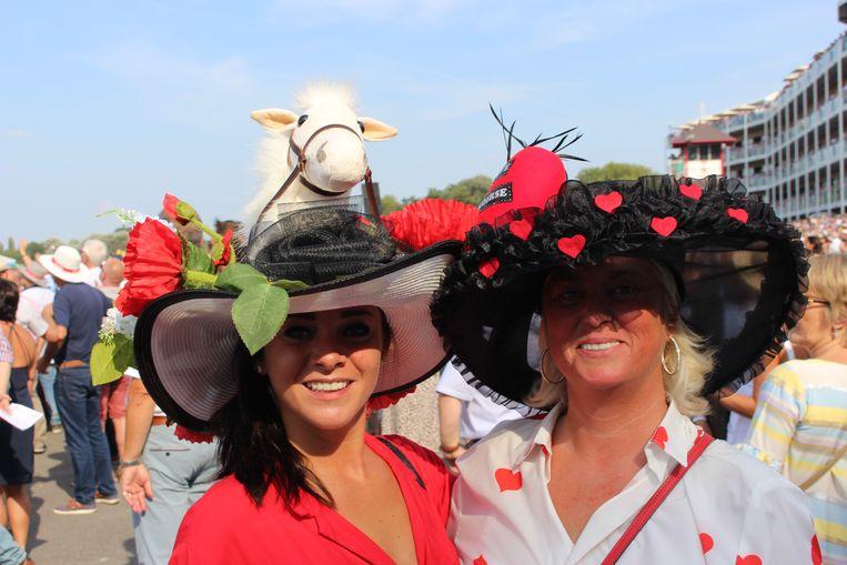 Femke Detruyer uit Aalst en Jeannine Van de kerckhove uit Halle kwamen voor de tweede keer naar Waregem Koerse.