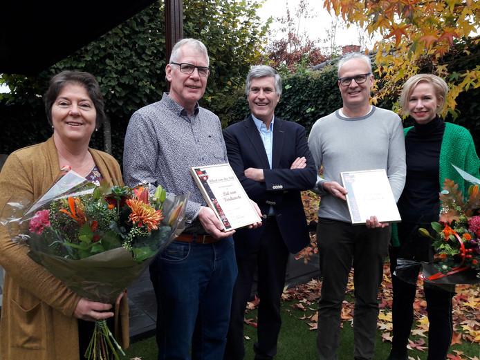 Van links naar rechts: Johanna en Albert van de Poll, Bert Janssen en Jan Wijers met  Nicole.