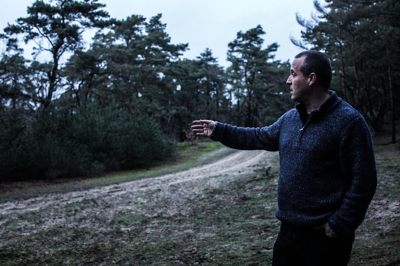Jan Loos: 'Als je een wolf wil schieten, moet je maandenlang geduld oefenen. Je moet over terreinkennis beschikken en je hebt een cameranetwerk nodig.'