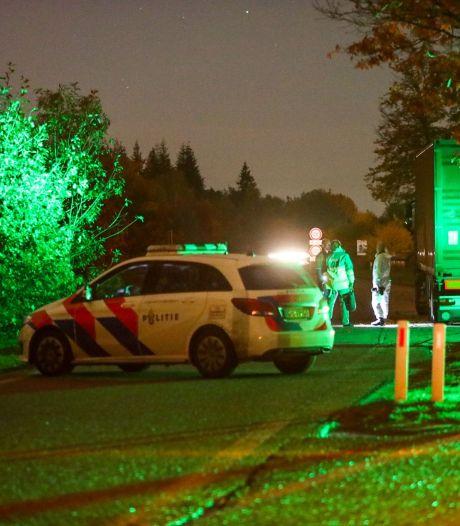 Dode 'onder verdachte omstandigheden' aangetroffen in truck op parkeerplaats langs A1 bij Ugchelen