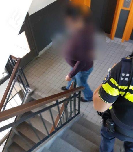 Voortvluchtige Apeldoorner (44) opgepakt in zijn geboortestad Zutphen: hop, terug de cel in