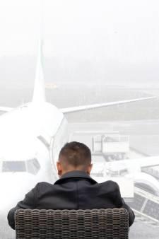 Veel vertraging op Eindhoven Airport door dichte mist: eerste vluchten vertrokken