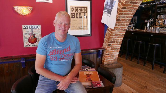 Boxtelaar Wim Kuipers debuteert als concertorganisator met een optreden van de Amerikaanse zanger Dan Stuart in Eetcafé De Kerk.