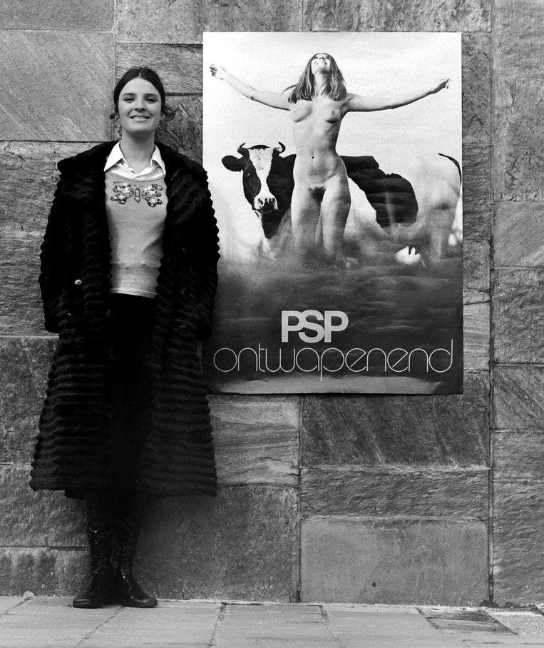 Saskia Holleman poseert voor de poster. Beeld Hendrik-Jan Koldeweij