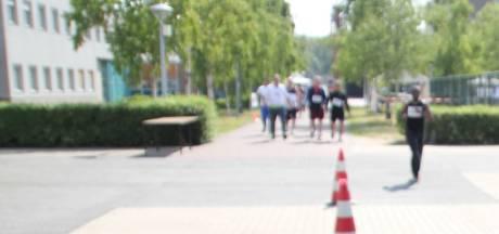 Sponsorloop gevangenen Vught levert 2500 euro op voor zieke kindjes Jeroen Bosch Ziekenhuis