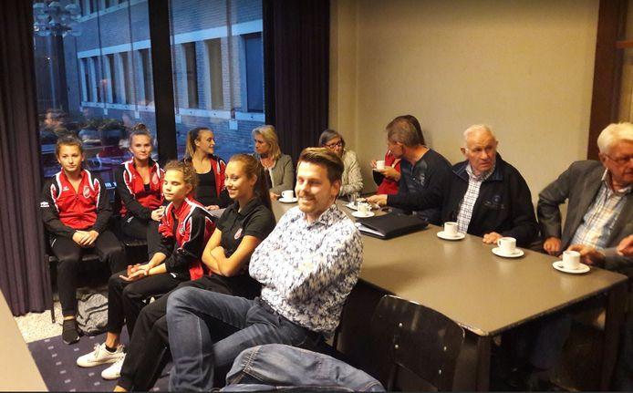 Leden van KDO waren vorig jaar bij de commissievergadering in Deurne die over de nieuwe accommodatie ging.
