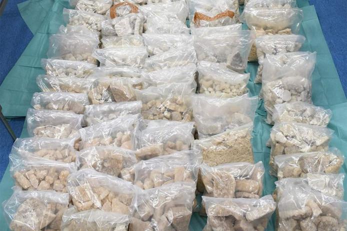 De in Rotterdam in beslag genomen mdma-brokken, de werkzame stof in xtc-pillen.