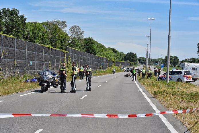 Ongeluk met twee motorrijders in Tilburg, traumaheli is aanwezig.