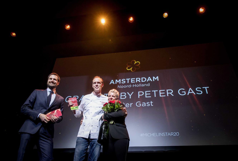 Peter Gast uit Zutphen van restaurant Graphite by Peter Gast in Amsterdam tijdens de presentatie van de Michelin Gids 2020 in het DeLaMar Theater. Gast kreeg één Michelinster toegekend.