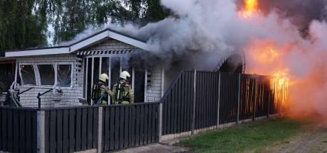 Chalet compleet verwoest door brand op camping in Fortmond
