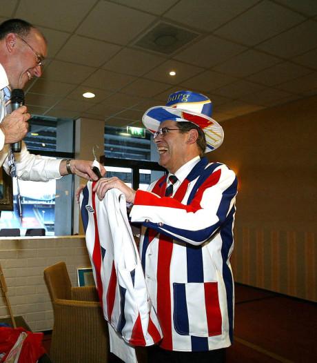 Jan Vullings (83) overleden: met driedelig maatpak in het spelersbad van Willem II