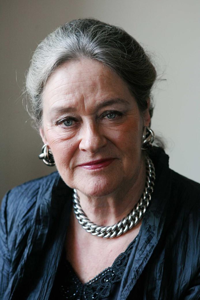 Elisabeth Tuijnman, burgemeester van Overbetuwe van  2001 tot 2012.