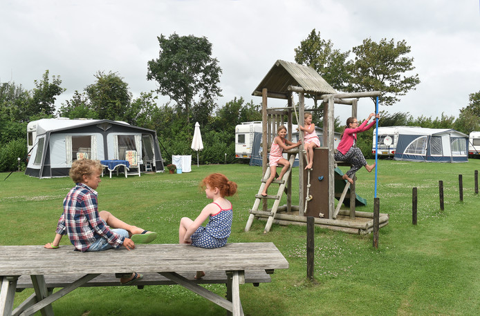 Van alle overnachtingsplaatsen in Zeeland, is bijna twee derde op kampeerterreinen te vinden.
