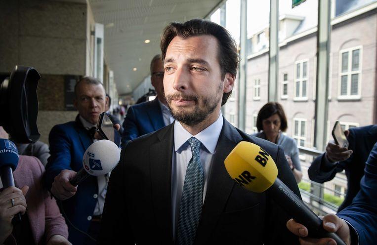 Thierry Baudet (FvD) arriveert bij de Tweede Kamer voor het wekelijkse vragenuur. Beeld ANP