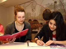 Studenten helpen 'arme' leerlingen uit Oldenzaal en Losser die vastlopen op school