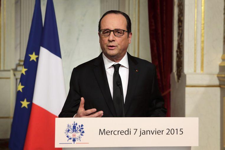 """Frans president Françcois Hollande. """"Ons beste wapen is onze eenheid. Niets kan ons verdelen."""""""