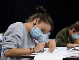 Studenten slepen buisvakken veel te lang mee: ruim 10.000 jongeren mogen academiejaar niet starten