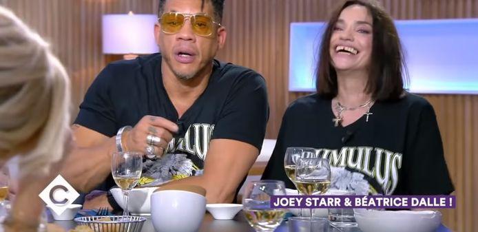 """JoeyStarr et Béatrice Dalle dans """"C à vous"""""""