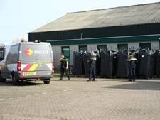 VIDEO: Grote hennepkwekerij in kassengebied in Made, drie arrestaties