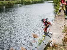 Lege auto met gevouwen kentekenplaten gevonden in kanaal Eindhoven, vermoedelijk dumping
