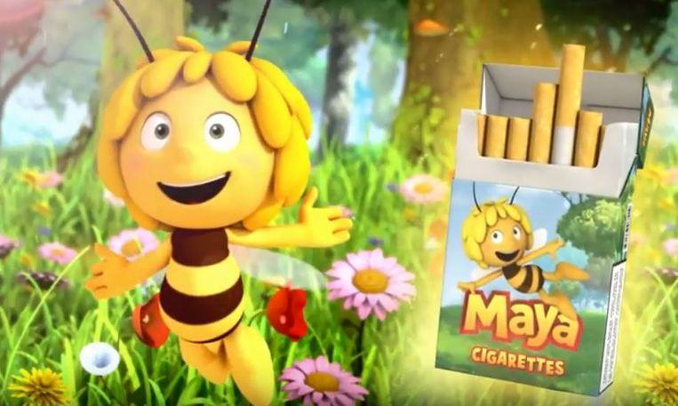 """In het filmpje prijst Maya De Bij sigaretten aan """"in handige kleine doosjes, voor de kleine kinderhandjes""""."""