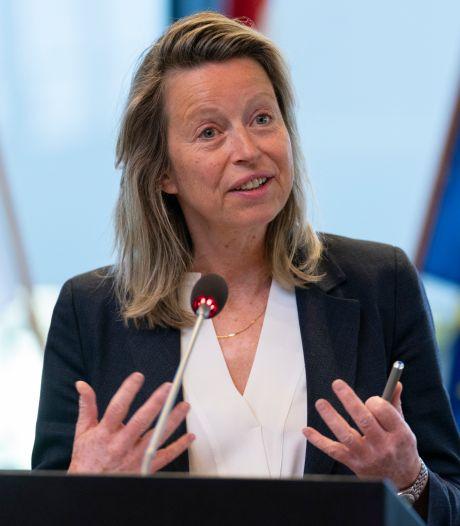 Minister roept vrouwen op te solliciteren naar commissarispost Brabant
