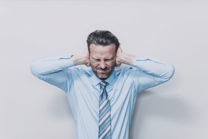 Oorsuizen kan patiënten tot wanhoop drijven. De oorzaak is psychosomatisch.