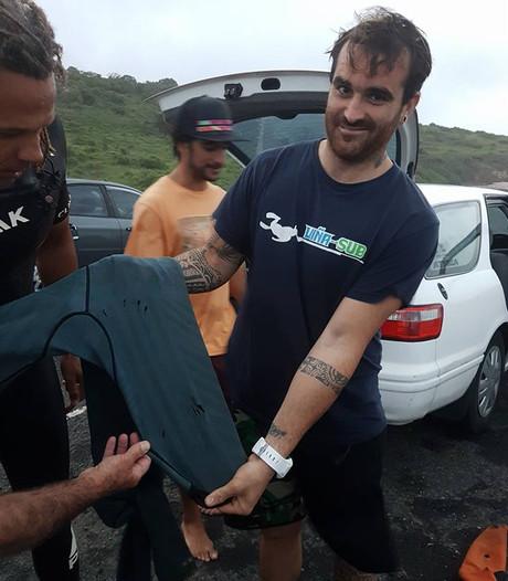Man overleeft haaienbeet in Australië