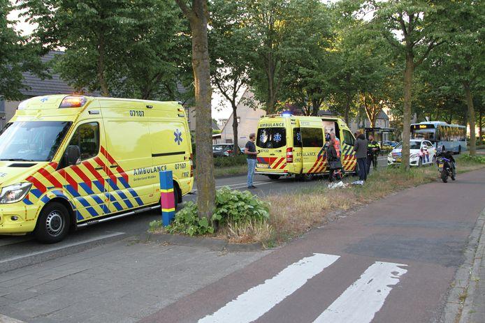Een scooterrijder is ernstig gewond geraakt bij een val aan de Laan van de Verenigde Naties in Ede.