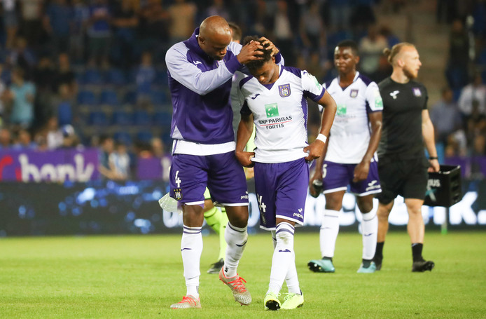 Anderlecht's Vincent Kompany and Anderlecht's Killian Sardella pictured after a soccer match between KRC Genk and RSC Anderlecht, Friday 23 August 2019 in Genk, on the fifth day of the 'Jupiler Pro League' Belgian soccer championship season 2019-2020. BELGA PHOTO VIRGINIE LEFOUR