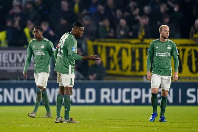 Denzel Dumfries probeert te redden wat er nog te redden valt, maar PSV faalt uiteindelijk opnieuw in Breda.