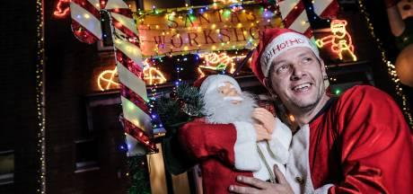 Zo ziet het huis van Dennis de kerstman eruit