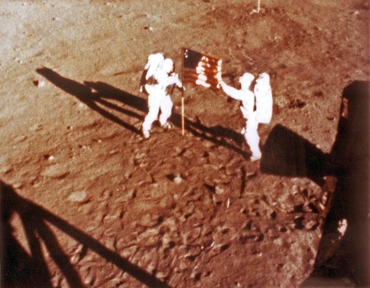 Neil Armstrong en 'Buzz' Aldrin op de maan, 20 juli 1969 Beeld AFP